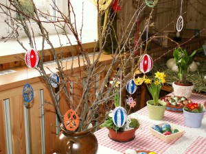 800px-easter_eggs_-_crochet_decoration