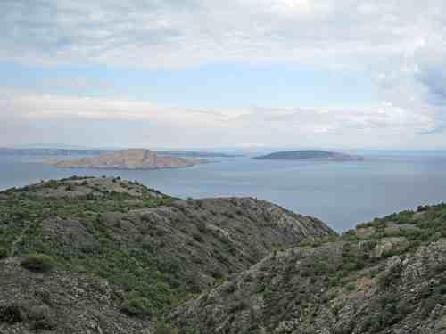 Dalmatian islands seen from the coast road between Senj and Zadar © Ricky Yates