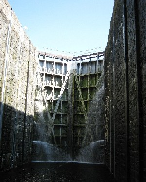 Inside Štechovice Lock © Ricky Yates