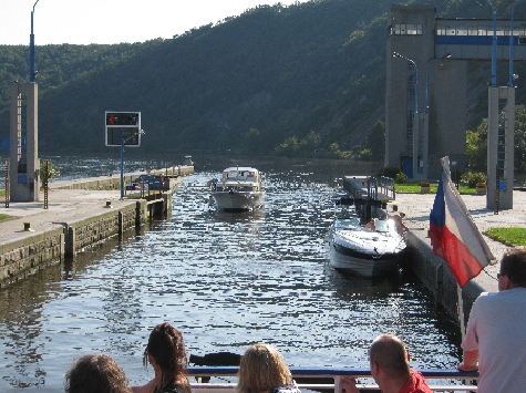 Small pleasure boats entering lock at Vrane © Ricky Yates