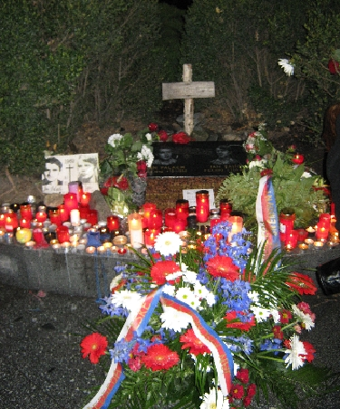 Candles and flowers at the memorial to Jan Palach & Jan Zajic © Ricky Yates
