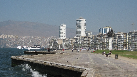 The seafront Izmir, Turkey © Ricky Yates