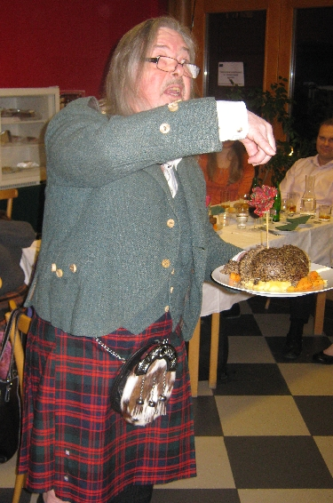 Gordon addresses the haggis © Ricky Yates