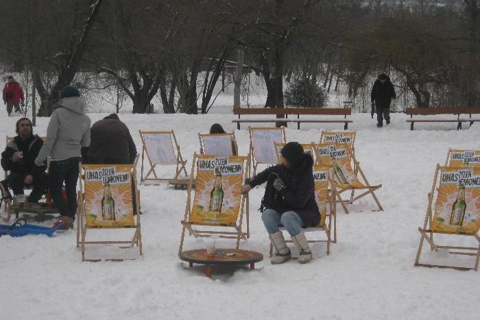 Deckchairs in the snow at Slechtovka Restaurace in Stromovka Park © Ricky Yates