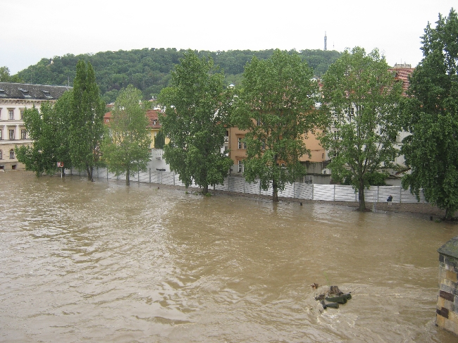 Flood defences erected on Kampa Island as seen from Charles Bridge © Ricky Yates