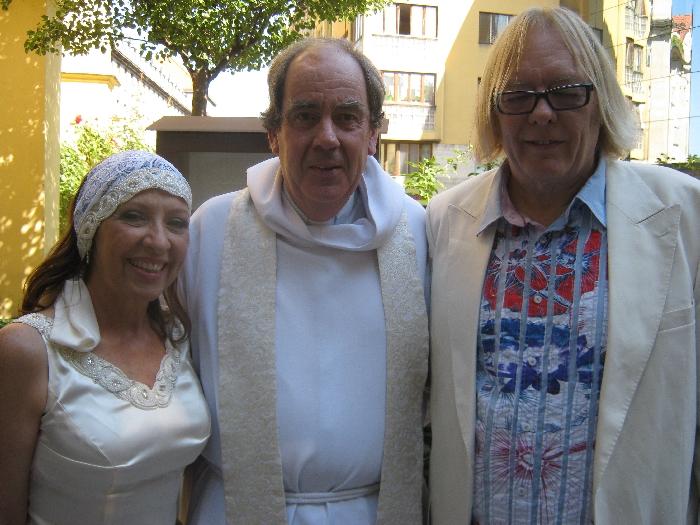 Maria & David with me, following their wedding © Ricky Yates