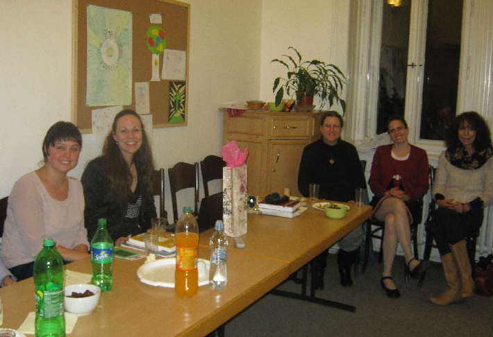 The other half or our Lent Study Group with Dr Hana Tonzarová on the left © Ricky Yates