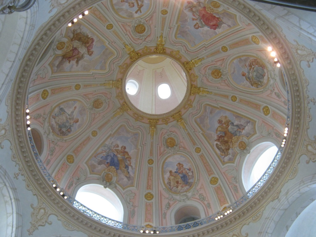 Decorated ceiling of the dome of the Frauenkirche © Ricky Yates