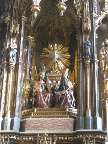 Reredos depicting the Holy Trinity © Ricky Yates