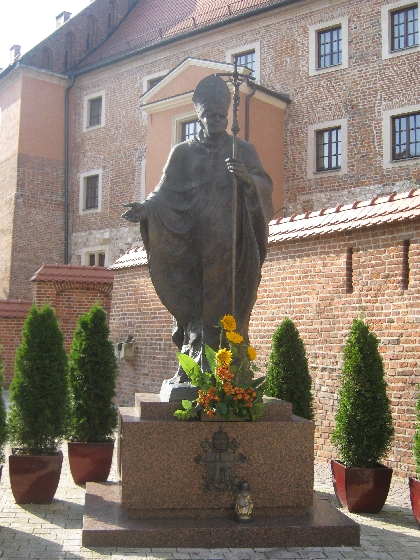 Statue of Pope John Paul II © Ricky Yates