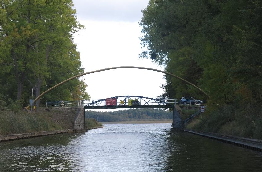 Canal bridge © Sybille Yates