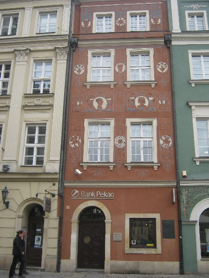 Exterior artwork in Poznan © Ricky Yates