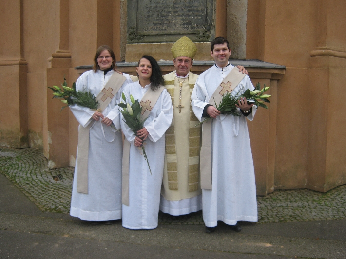Monika, Petra & Martin with Bishop Dušan following the Ordination Service © Ricky Yates
